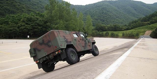 KLTV - Dòng xe tác chiến ít được biết đến của Kia - 9