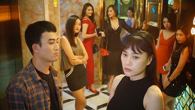 Trong Quỳnh Búp bê, Doãn Quốc Đam vào vai Cảnh, đảm nhận nhiệm vụ quản lý gái làng chơi tại một nhà chứa.