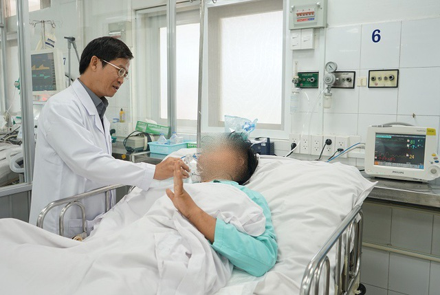Sau 3 ngày được bác sĩ nỗ lực cứu chữa, nam thanh niên đã qua được cơn nguy kịch