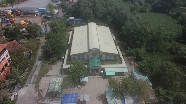 Chợ Phú Hữu, quận 9 được xây dựng năm 2004, trên khu đất rộng hơn 2.000m2.