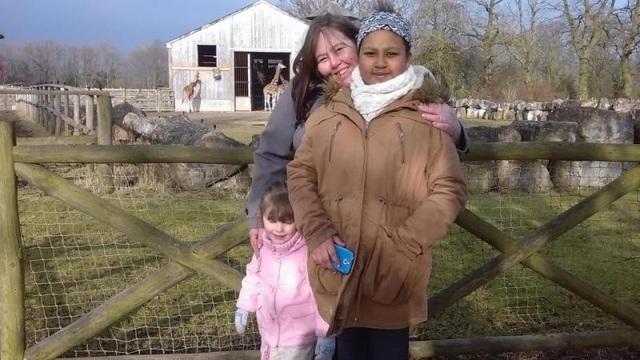 Hiện tại Ayesha đã 15 tuổi trong khi cô con gái út Sophie đã được 7 tuổi