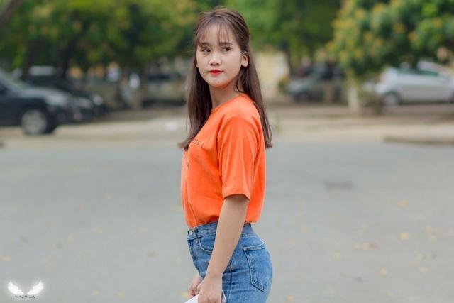Thanh Thoan sở hữu một gương mặt xinh đẹp và vóc dáng chuẩn mà cô gái nào cũng mong ước