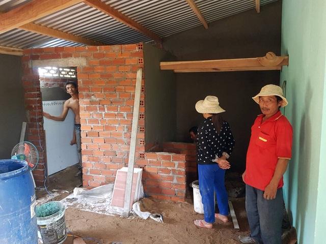 Phần bếp và nhà vệ sinh đang được hoàn thiện
