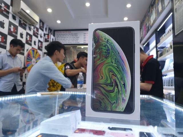iPhone XS Max 64GB hút khách