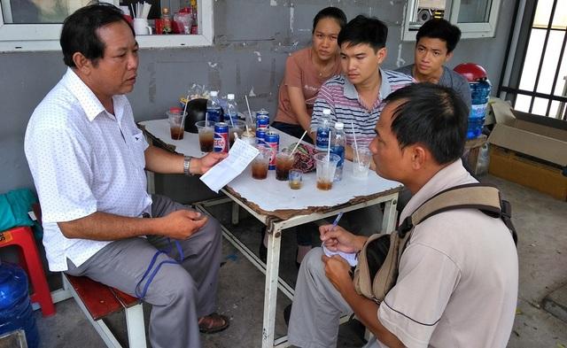 Ông Nguyễn Thanh Tăng, Phó Trưởng phòng LĐTB&XH TP.Mỹ Tho làm việc với đại diện Công ty và các PV