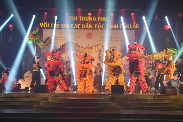 Chương trình vui Tết Trung thu cho trẻ em nghèo được tổ chức đặc sắc