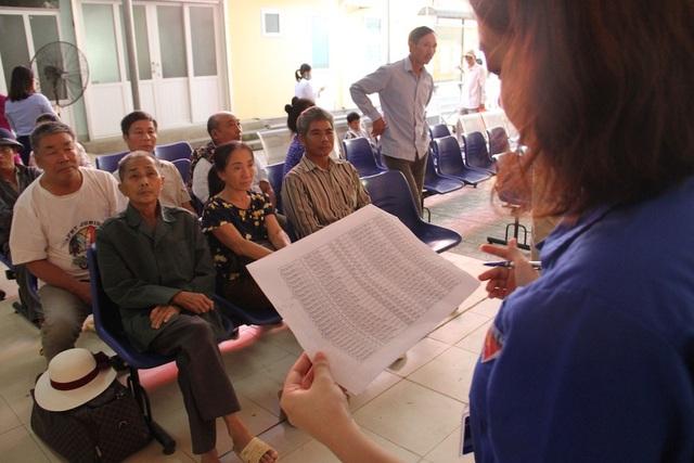 Các bệnh nhân được đăng ký khám theo danh sách và được khám lần lượt theo thứ tự.