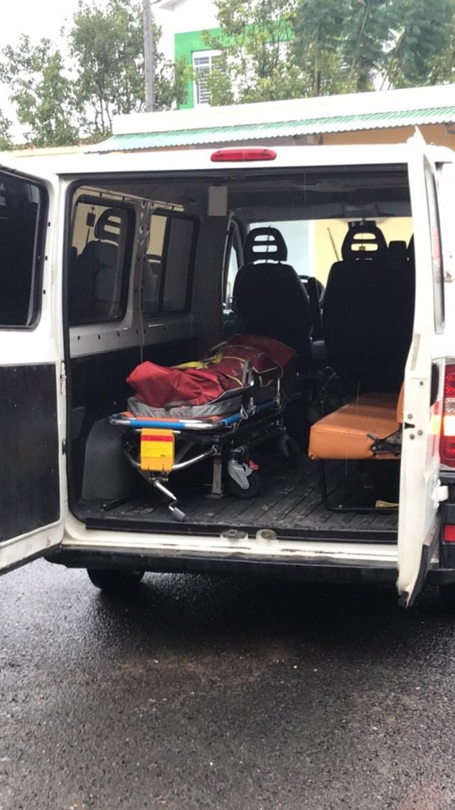 Thi thể nạn nhân được đưa về nhà xác Đa khoa Bệnh viện Đa khoa Lâm Đồng
