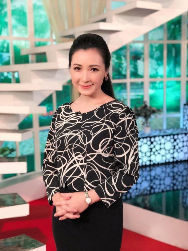 Nhan sắc trẻ trung của nữ diễn viên Khánh Huyền khi đã bước vào tuổi 47.