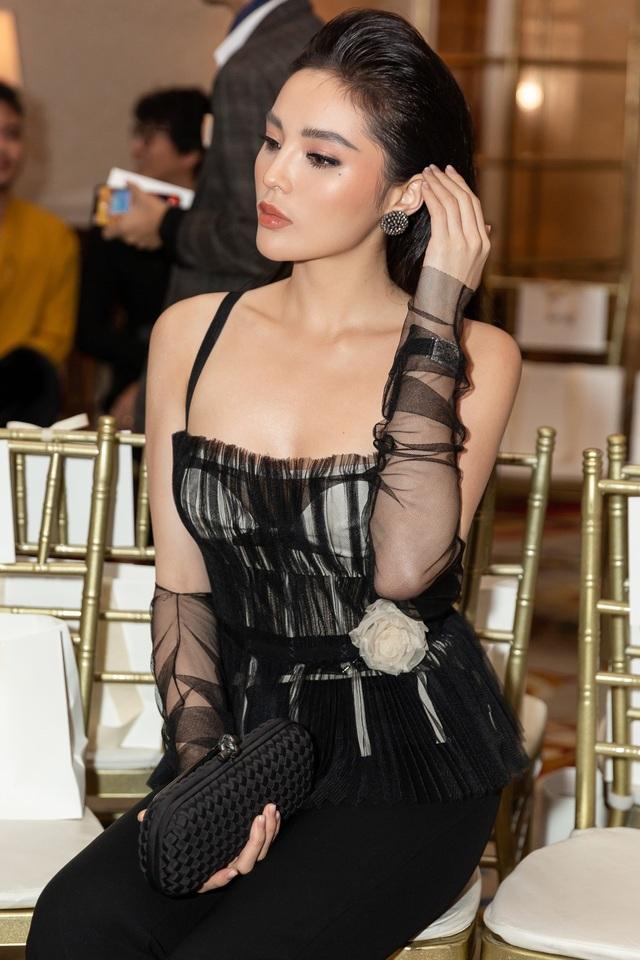 Với tư cách là đại diện đến từ Việt Nam, Kỳ Duyên đã được cân nhắc xem xét hồ sơ cá nhân vô cùng kỹ lưỡng. Kỳ Duyện được lựa chọn nhờ hình ảnh cá tính, văn minh, hiện đại, năng động cùng phong cách thời trang thời thượng.