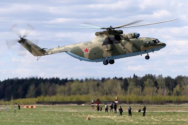 Mi-26 là trực thăng vận tải lớn nhất và mạnh nhất được Nga sản xuất hàng loạt. Mi-26 có thể vận chuyển 20 tấn hàng, được sử dụng cho cả hoạt động quân sự và dân sự. Mi-26 là trực thăng chuyên vận chuyển những trang thiết bị có kích cỡ cồng kềnh tới những khu vực hiểm trở mà máy bay thông thường khó tiếp cận.