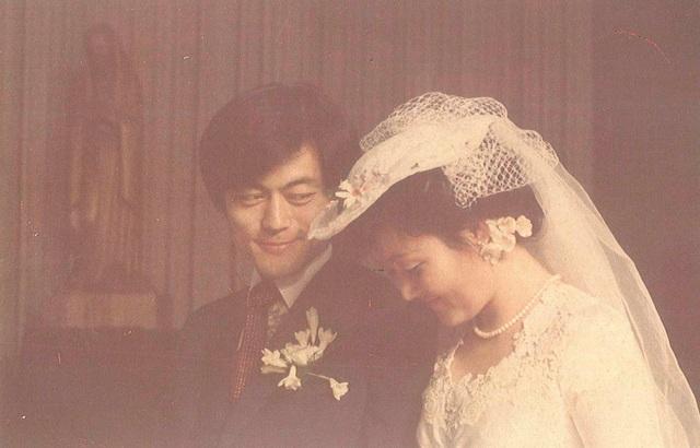 Ảnh cưới của Tổng thống Moon Jae-in và bà Kim Jung-sook vào năm 1981 (Ảnh: Reuters)