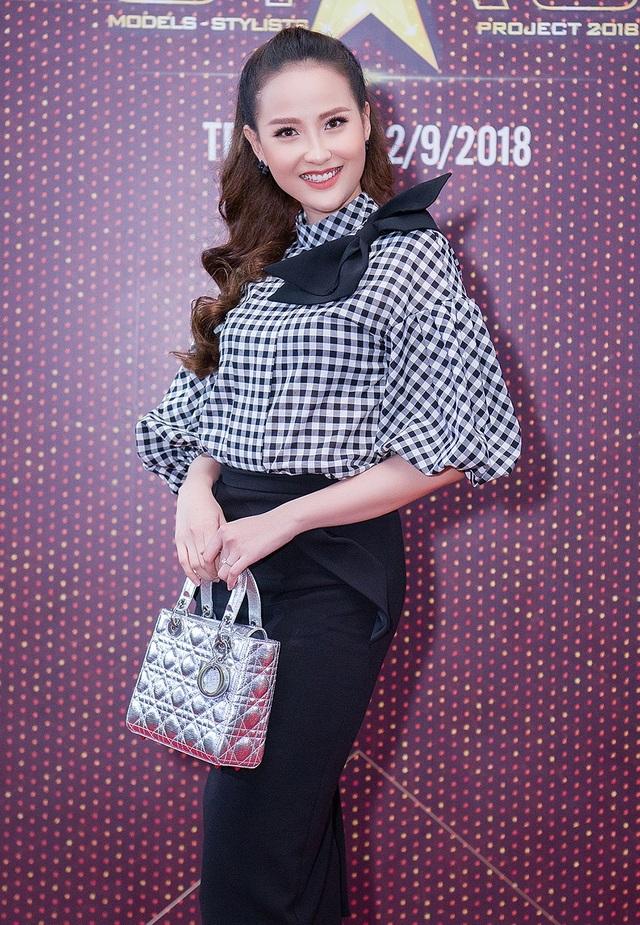 Miss Globe 2017 Khánh Ngân là giám khảo khách mời của chương trình