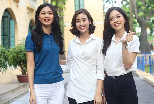 Á hậu Bùi Phương Nga (ngoài cùng bên phải) cùng Hoa hậu Đỗ Mỹ Linh (giữa), Á hậu Ngô Thanh Thanh Tú (áo xanh) tham gia hoạt động thiện nguyện dịp trung thu tại bệnh viện Xanh Pôn, Hà Nội