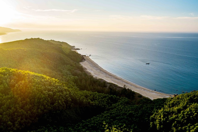 Vẻ đẹp nguyên sơ của Lăng Cô, nơi biệt thự biển Banyan Tree Residences tọa lạc