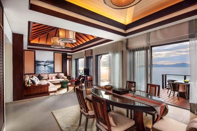Thiết kế tinh tế bên trong căn biệt thự biển Banyan Tree Residences Lăng Cô với lối kiến trúc mở kết nối với thiên nhiên