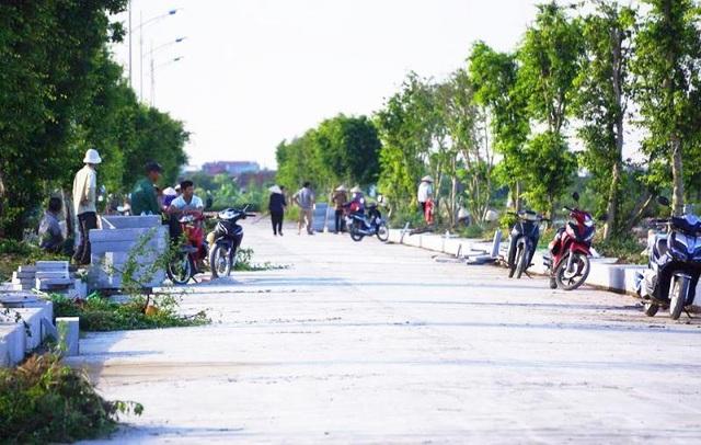 Khu vực tổ chức lễ an táng Chủ tịch nước Trần Đại Quang được dọn dẹp, cắt tỉa cẩn thận.