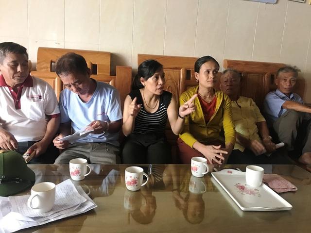 Người dân xã Cẩm Nhượng bức xúc phản ánh vì vô lý bị cắt điện.
