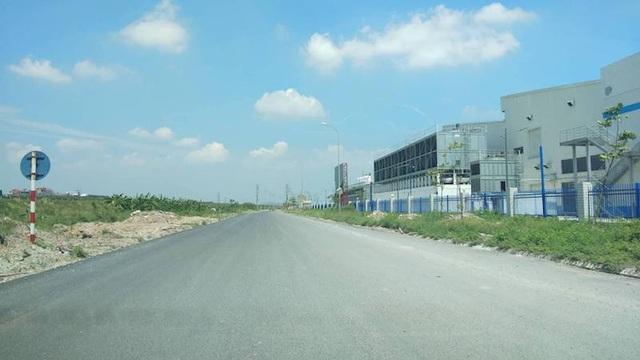 Người dân thở phào thoát hiểm hoạ tại đường gom cao tốc Hà Nội - Bắc Giang! - Ảnh 6.