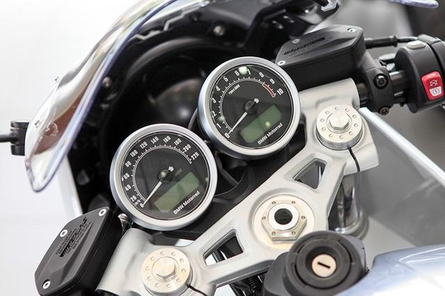 Giá bán bằng ôtô, BMW RnineT Racer có gì để thuyết phục người dùng Việt Nam? - 4