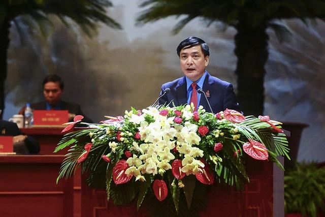 Đồng chí Bùi Văn Cường - Chủ tịch Tổng LĐLĐ VN, phát biểu tại Đại hội. (Ảnh: ST)
