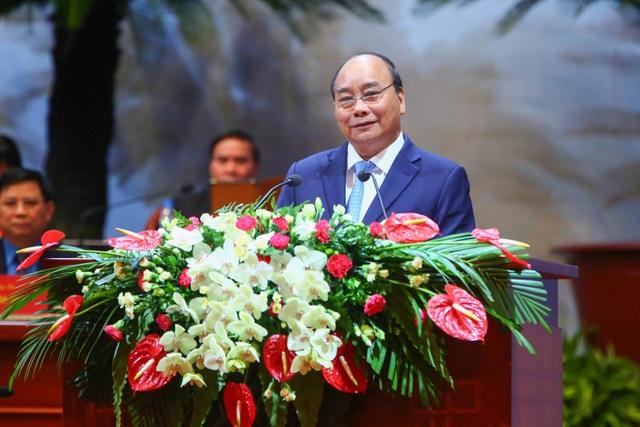 Thủ tướng Nguyễn Xuân Phúc phát biểu tại Đại Hội Công đoàn VN lần thứ XII. (Ảnh: ST)