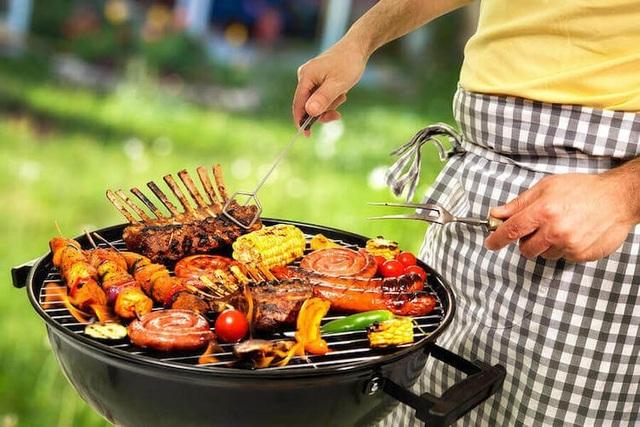 Nấu ăn bằng củi hoặc than làm gia tăng nguy cơ tử vong 36% - 1