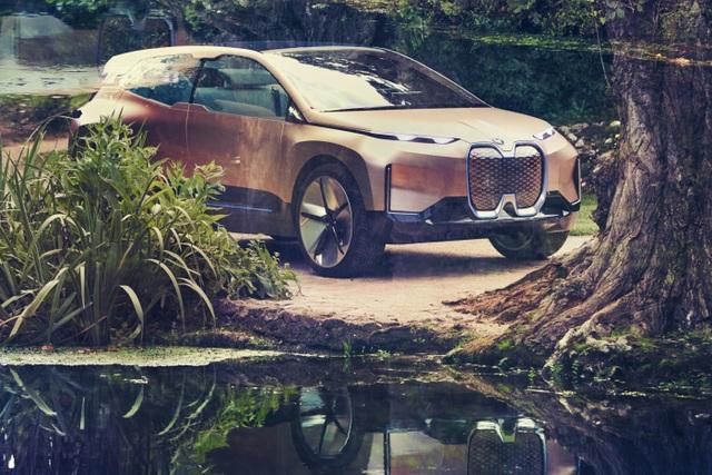 BMW giới thiệu mẫu crossover chạy điện tự lái Vision iNext - 1