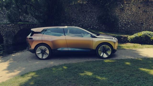 BMW giới thiệu mẫu crossover chạy điện tự lái Vision iNext - 5