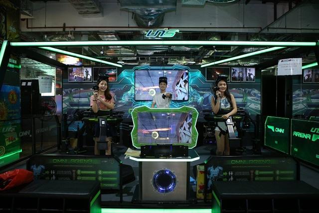 Trò chơi thực tế ảo Virtuix Omni đưa người chơi vào thế giới game sống động.