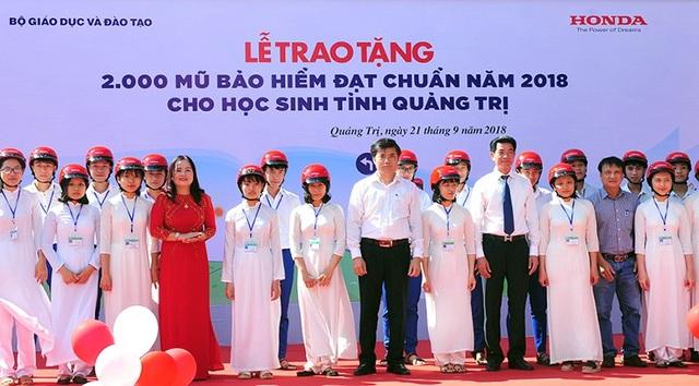 Tính từ tháng 3/2018 đến nay đã có gần 10.000 mũ bảo hiểm được Honda Việt Nam phối hợp trao tặng cho học sinh, sinh viên, thanh niên và người dân trên cả nước.