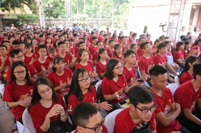Hơn 500 sinh viên tham dự chương trình Chào tân sinh viên 2018