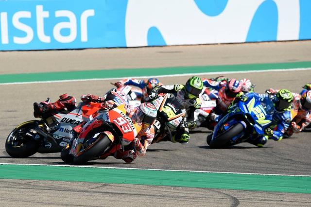 Xem lại tai nạn khiến Lorenzo phải bỏ dở chặng 14 MotoGP 2018 - 1