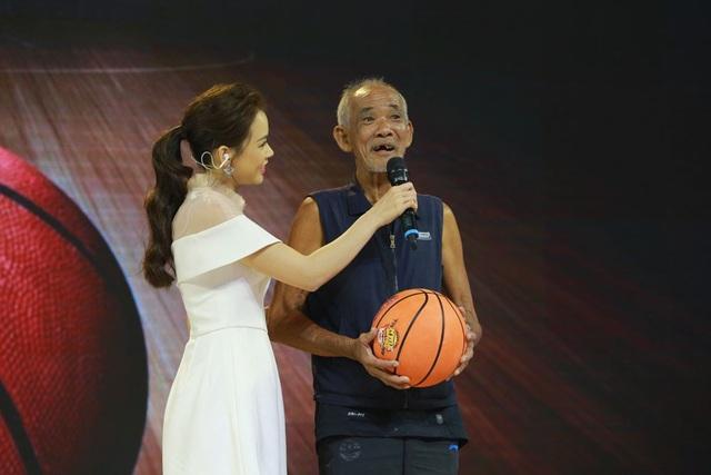 Bố già bóng rổ Tiêu Chinh Nguyên luôn sống yêu đời nhờ chăm chơi thể thao.