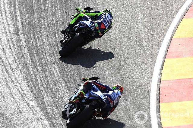 Marquez thắng kịch tính trong ngày Lorenzo gặp tai nạn nghiêm trọng - 5