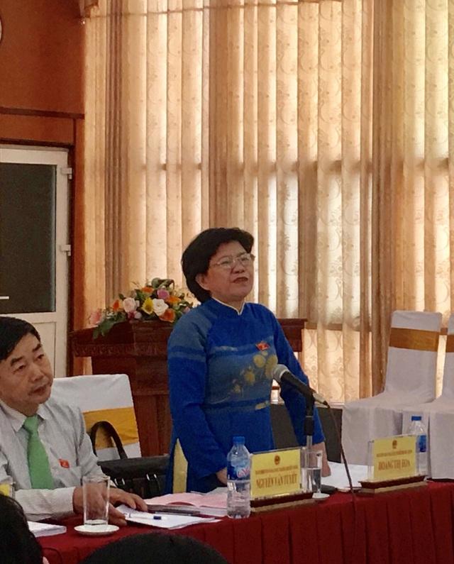 Bà Hoàng Thị Hoa – Phó Chủ nhiệm Ủy ban Văn hóa, giáo dục, Thanh niên thiếu niên và Nhi đồng của Quốc hội