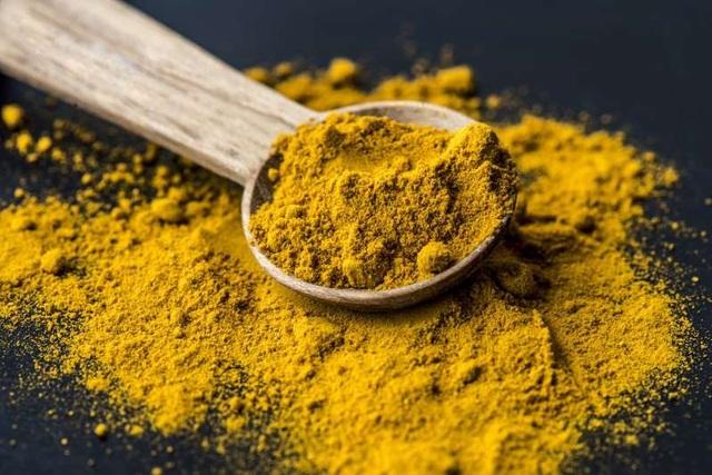 Nghệ thường được bán như một loại thực phẩm chức năng để giúp chống viêm.