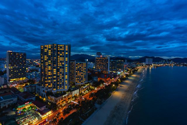 The Costa Nha Trang tọa lạc ngay chính trung tâm cung đường vàng Trần Phú.