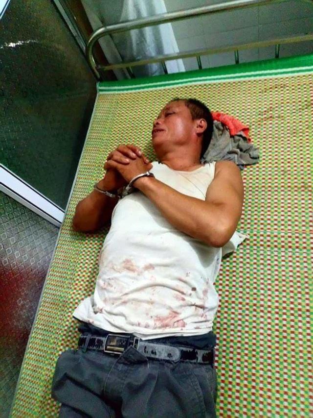 Nguyễn Văn Tiến, nghi phạm sát hại 3 người trong một gia đình bị bắt. (ảnh: CAND)