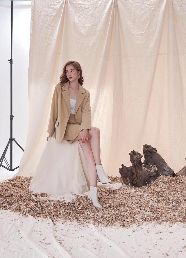 Phương Linh hiện là người mẫu tự do. Cô càng ngày càng đẹp hơn so với thời làm người mẫu quảng cáo kính.