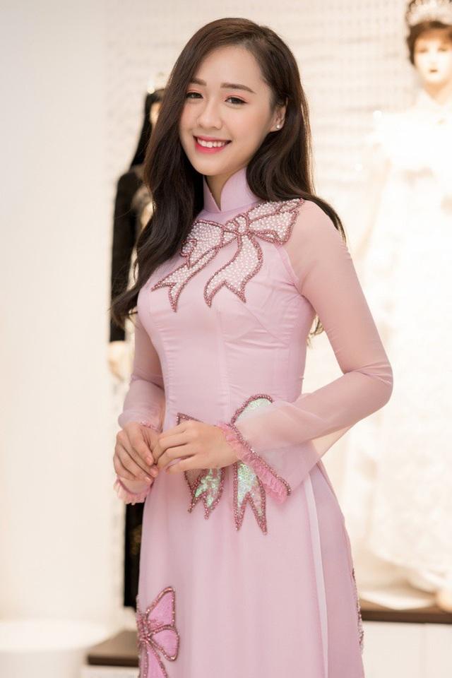 Cùng với Ngọc Hà, người đẹp Top 15 Hoa hậu Việt Nam 2018 Phạm Ngọc Hà My cũng có mặt.