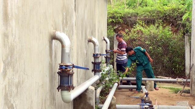 Sống gần trạm cấp nước tiền tỷ nhưng hàng trăm hộ dân vẫn thiếu nước sạch! - 4
