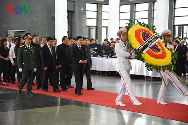 Toàn cảnh Lễ viếng Chủ tịch nước Trần Đại Quang - 12