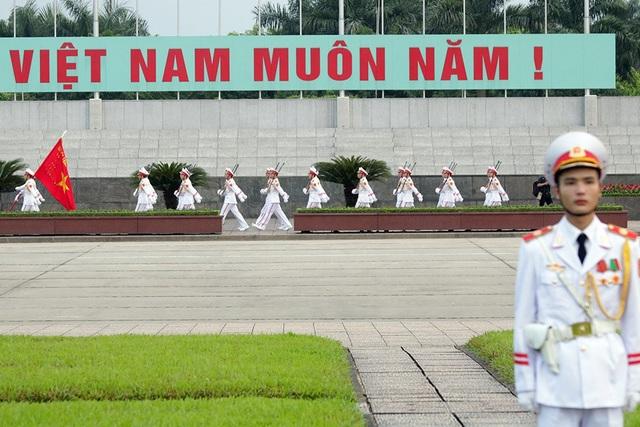 Lễ thượng cờ rủ Quốc tang Chủ tịch nước Trần Đại Quang - 11