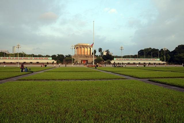 Lễ thượng cờ rủ Quốc tang Chủ tịch nước Trần Đại Quang - 15