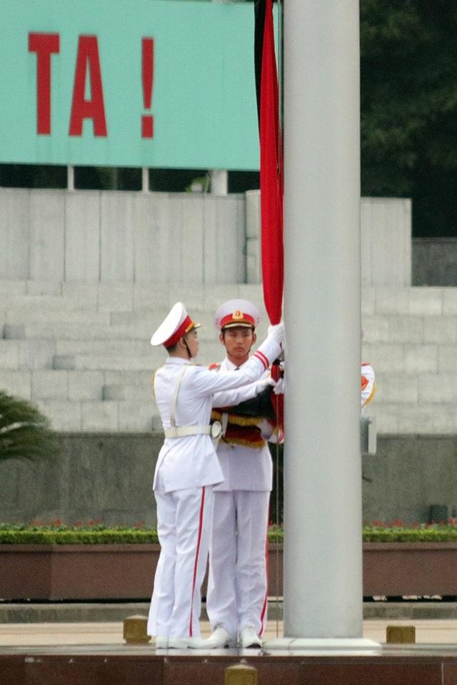 Lễ thượng cờ rủ Quốc tang Chủ tịch nước Trần Đại Quang - 4
