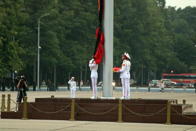 Lễ thượng cờ rủ Quốc tang Chủ tịch nước Trần Đại Quang - 5