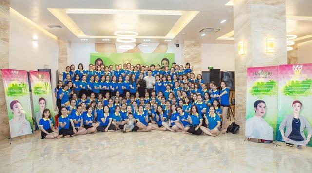 Trong thời gian tới, đội ngũ lãnh đạo của Kim Thiên Hoa đề ra mục tiêu lan tỏa giá trị yêu thương, giá trị trong ngành làm đẹp.