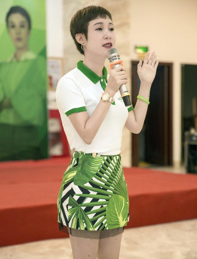 CEO Nguyễn Thị Ánh - Công ty Kim Thiên Hoa chia sẻ kinh nghiệm khởi nghiệp cùng chị em phụ nữ.
