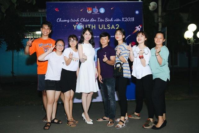 Sau chương trình, Lucy Như Thảo thân thiện chụp ảnh giao lưu cùng sinh viên. Cô không ngờ mình được đón nhận thay vì ghét bỏ như nhân vật trên phim. Ngay sau buổi giao lưu, Lucy Như Thảo lên Đà Lạt tham gia dự án truyền hình Hoa cúc vàng trong bão.